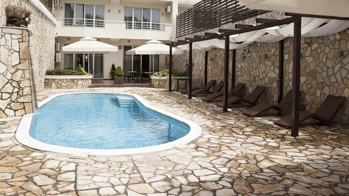 Comparateur piscine coque